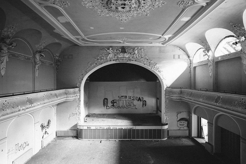 Ballsaal W.